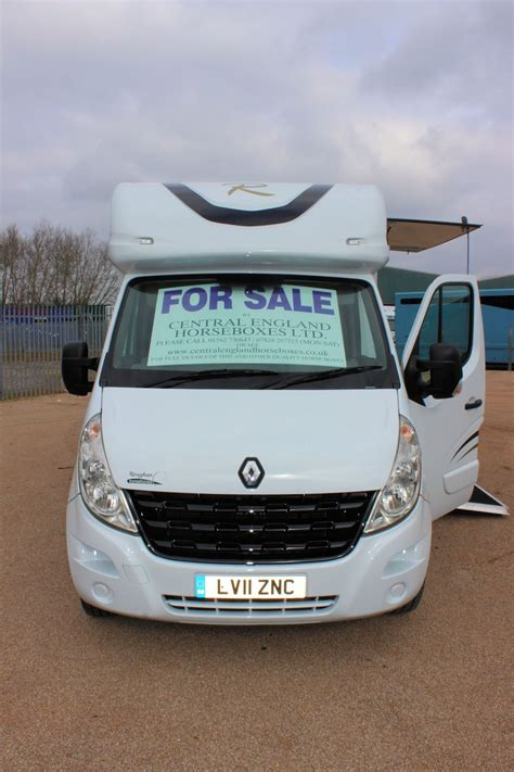 horseboxes for sale 3 5t by roughan horseboxes central england horseboxes