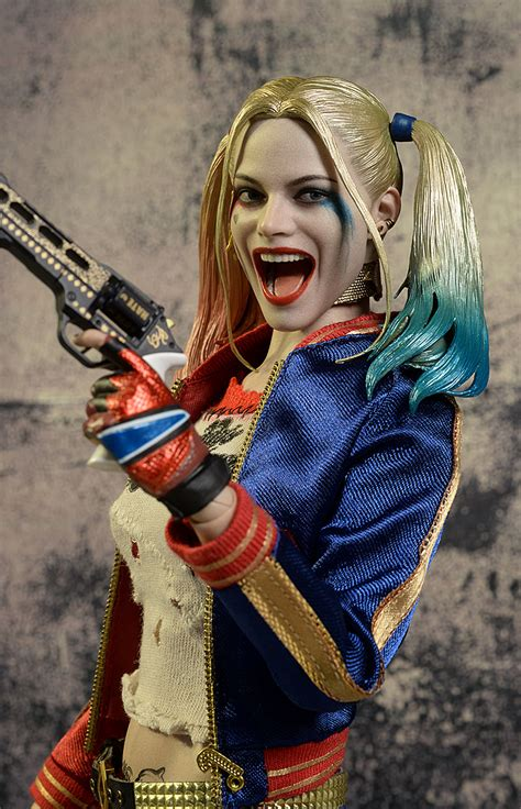 hot toys harley quinn harley quinn suicide squad hot toys review