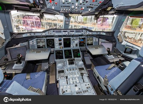 cabina airbus a380 airbus a380 cockpit stock editorial photo 169 foto vdw