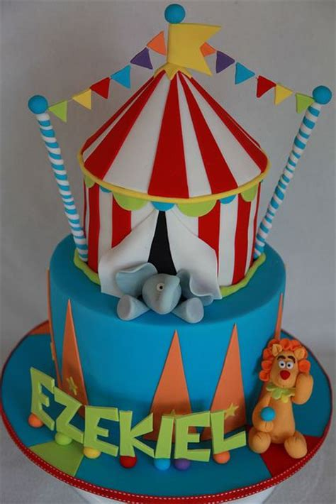 carnival themed cakes 251 best circus carnival cakes images on pinterest