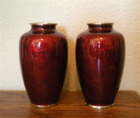 Vase Value by Need Help To Identify Age Value Of Pair Of
