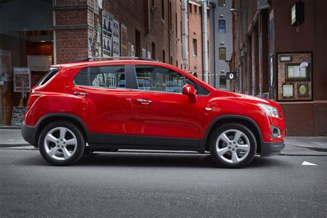 trax holden holden trax driven holden pumps up trax line up goauto