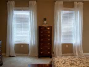 Curtains For Small Bedroom Windows Inspiration Traditional Bedroom With Window Curtains And White Wooden Window Blinds Curtain