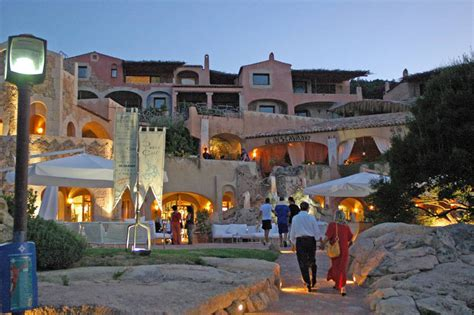 porto cervo piazzetta profile luxury mall italy