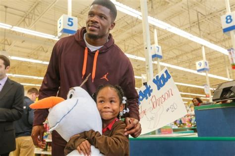 Free Toy Giveaways For Christmas 2014 - texans wr andre johnson takes children on toys r us shopping spree