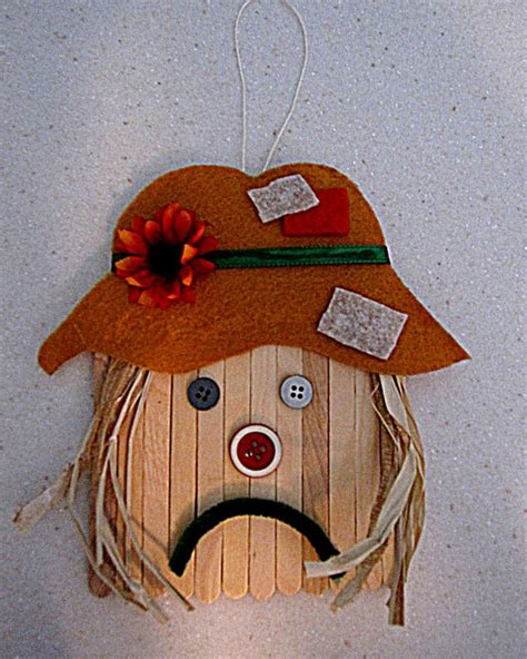 scarecrow craft for fall scarecrow craft i like this because of the