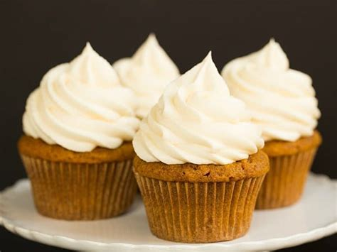 pumpkin cupcakes pumpkin cupcakes with cream cheese frosting brown eyed baker
