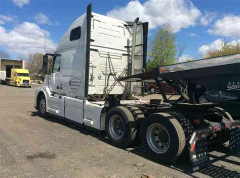2014 volvo big rig volvo vnl 670 2014 sleeper semi trucks