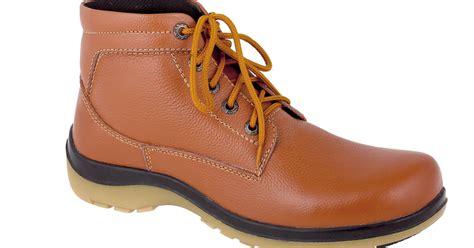 Sandal Gunung Pria Cbrsix Mdc 001 38 43 Webing Warna Biru toko sepatu cibaduyut grosir sepatu murah toko sepatu boots pria cibaduyut