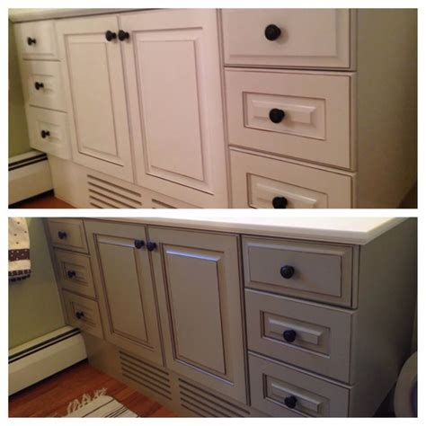 chalk paint bathroom cabinets 11 best images about bathroom touch up on