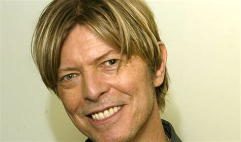 david bowie eye color david bowie why the space oddity hitmaker had different