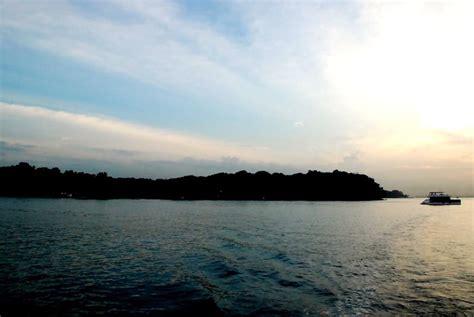 yacht rental batam peaceful lazarus yacht rental in singapore by singexperience