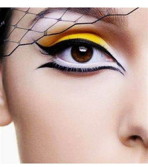 eyeliner tutorial top and bottom 25 best ideas about white eyeliner tricks on pinterest