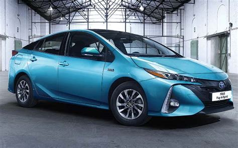 Hybrid Prius Mpg by New Toyota Prius In Hybrid Will Make Uk Debut On Mpg
