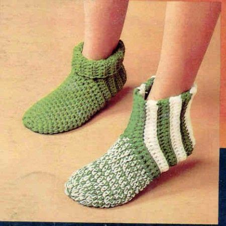 easy knit socks for beginners 30 easy knitting and crochet patterns for beginners