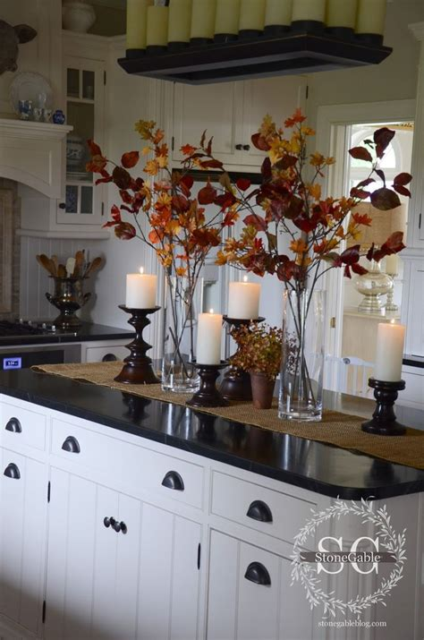 kitchen island decorations best 20 kitchen island centerpiece ideas on