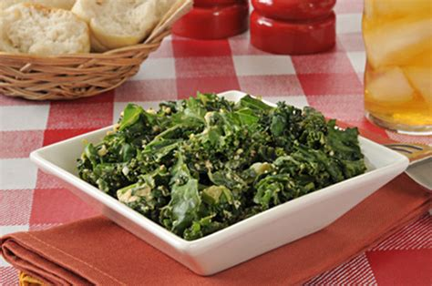 Kale Apple Green Detox Salad by Thanksgiving Detox Spicy Kale Salad