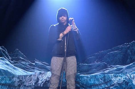 eminem walk on water eminem performs quot walk on water quot at the 2017 emas rap dose
