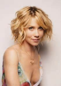 haircusts for sllightly wavy hair fashionable wavy curly bob hairstyle for short hair