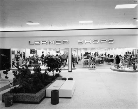 florida memory mall entrance to lerner shops