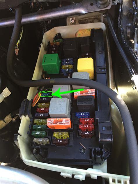 fix cigarette lighter fuse blown  glove compartment konkludenz