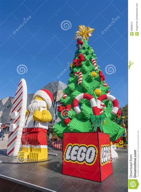 christmas tree and santa claus made by lego bricks