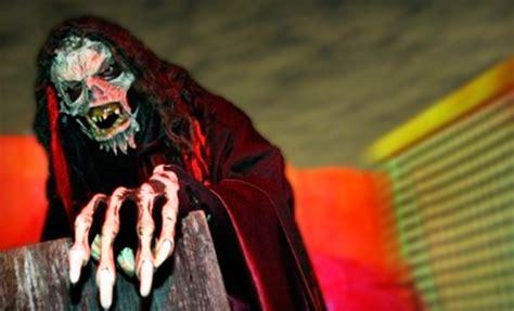 halloween scream themes screams halloween theme park waxahachie tx groupon