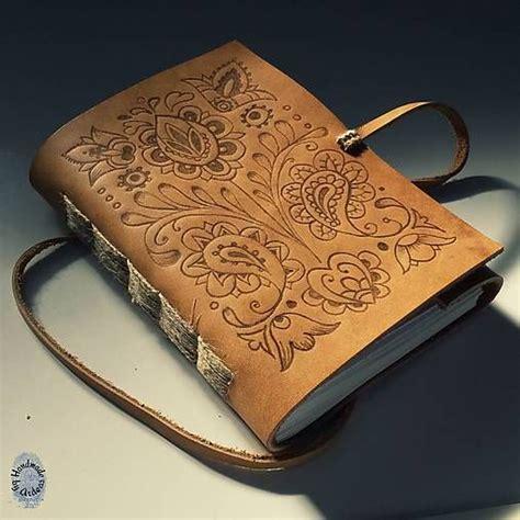 Handmade Bookbinding - 篏udov 225 ornamentika ko緇en 253 z 225 pisn 237 k a6 ardeas sashe