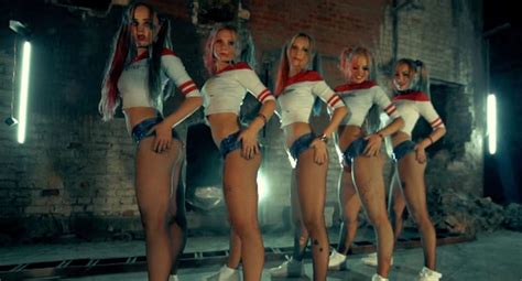 little russian girl twerk viralitytoday russian dancers twerk in harley quinn