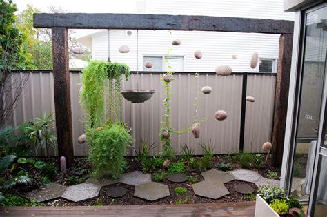 Contemporary Garden Fencing Ideas Metal Fencing Ideas Landscape Eclectic With Contemporary Garden Green Beeyoutifullife
