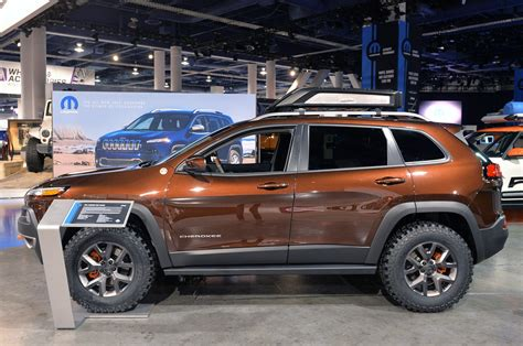 sema jeep grand cherokee jeep cherokee trail carver sema 2013 photo gallery autoblog