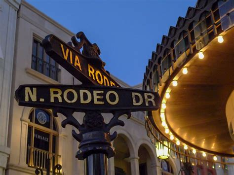 rodeo drive  beverly hills  gawkers guide