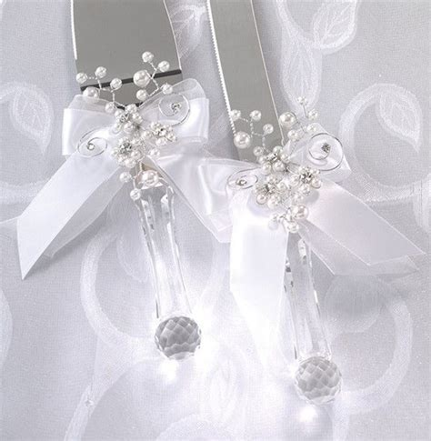 Decorating wedding servers   Pin Wedding Cake Knife And