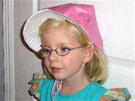 How To Make A Paper Pilgrim Bonnet - pioneer bonnets families