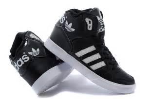 Hombres De Las Adidas Originals Extaball Alto Parte Superior Cuero Zapatos De Basquetbol Negro Blanco M20863 Zapatos P 194 by De Los Hombres De Los Zapatos De Baloncesto De Adidas