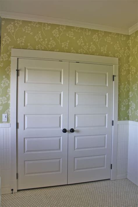 Closet Track Doors Best 25 Closet Doors Painted Ideas On Closet Door Makeover Sliding Closet Doors