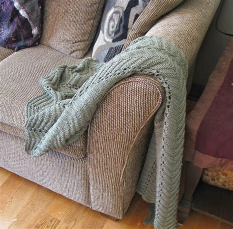 patterned throws for sofas sage sofa throw pattern allfreeknitting com