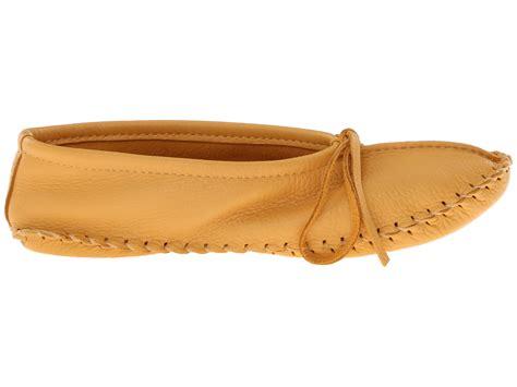 mukluks slipper manitobah mukluks deerskin slipper solid design