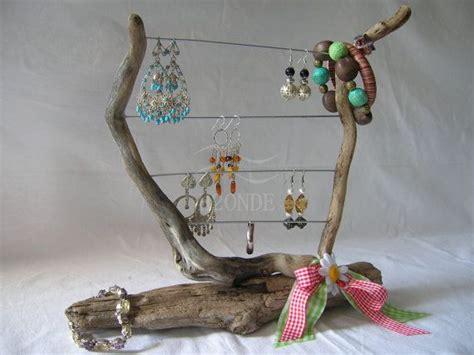 porta orecchini in legno oltre 25 fantastiche idee su espositore per gioielli su