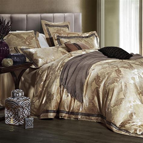 luxury jacquard satin wedding bedding comforter set for