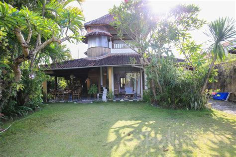 three bedroom houses for rent three bedroom over contract house with huge garden sanur