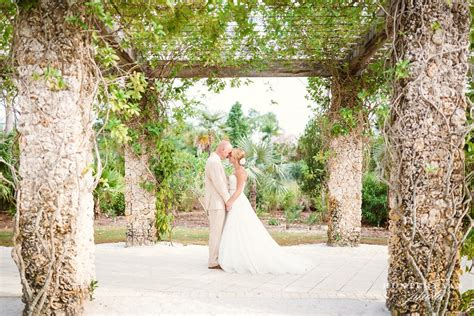 Weddings At The Botanical Gardens Naples Botanical Garden Wedding Wedding At The Inn On Fifth Naples Florida Leigh Steve