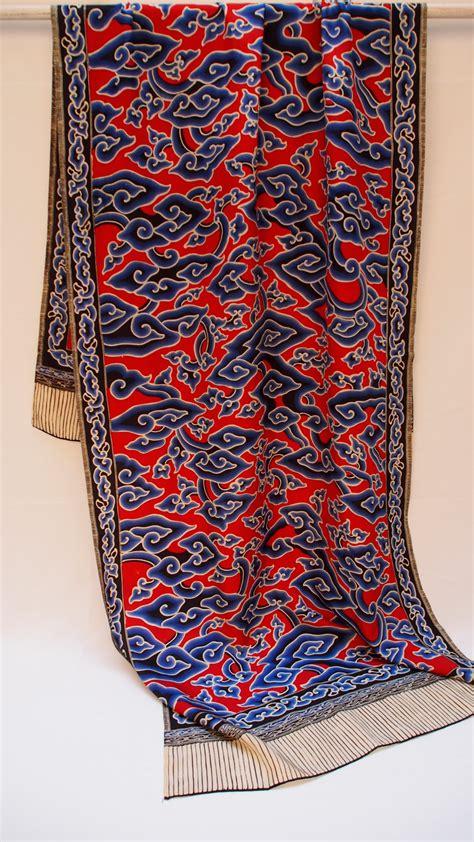 Phasmina Batik 2 shawl batik mega mendung on silk 28x84 quot by bu bun of trusmi the language of cloth