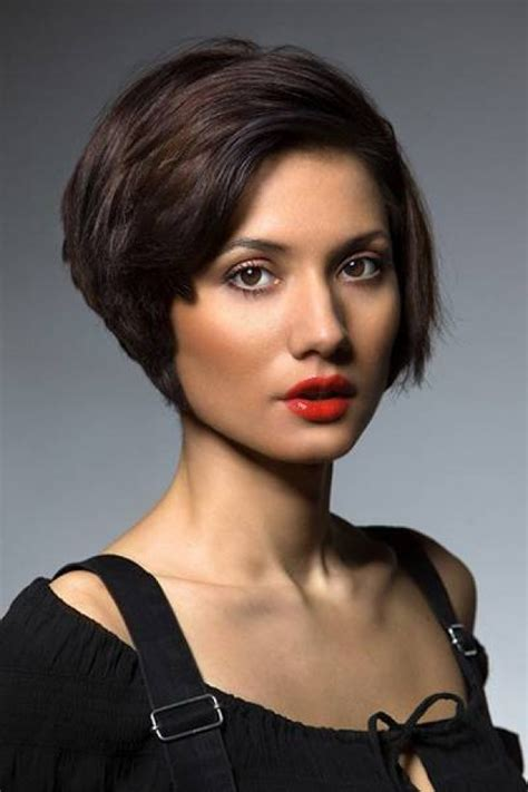 medium hairstyles not 40 layered bob hairstyles worth trying