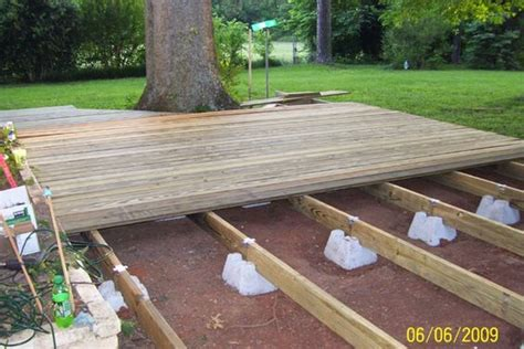 diy decks and patios 1000 ideas about floating deck on decking