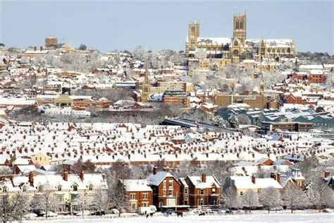 weather in lincoln uk in pictures snow in lincolnshire