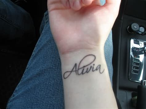 tattoo names on wrist for a girl 39 name tattoos on wrist