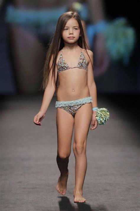 tween models spread swimwear fashion show gran canaria moda c 225 lida ver post