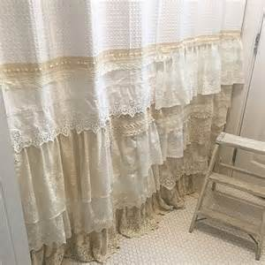shabby chic shower curtains 26 adorable shabby chic bathroom d 233 cor ideas shelterness