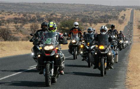 Bmw Motorrad Zeitung by 100 Jahre Bmw 100 Motorr 228 Der 100 Kilometer Lokales